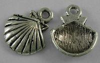 Charm scoica argintiu antichizat