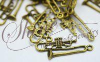 Pandantiv trompeta bronz antichizat