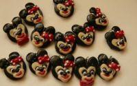 Mickey si  Minnie