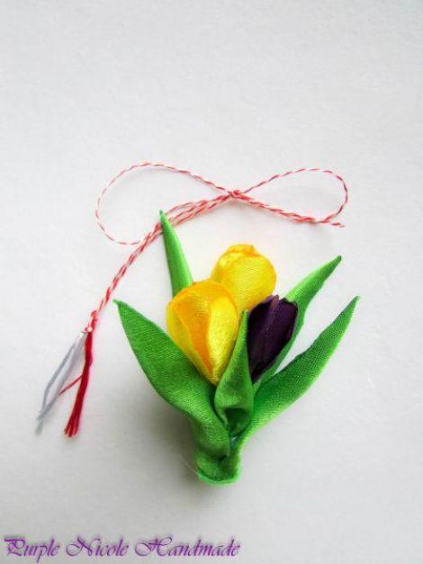 Brosa - martisor Branduse - buchet flori textile