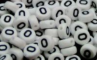 Margele acril alfabet albe litera O rotunde 100buc