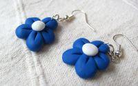 Flori albastre mari