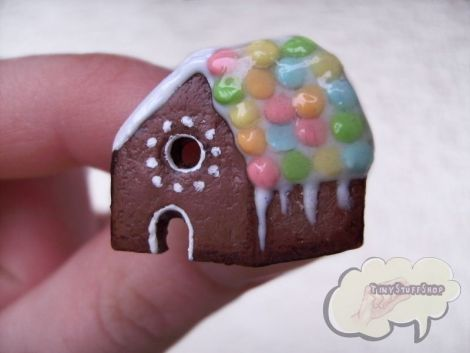 Inel Gingerbread House