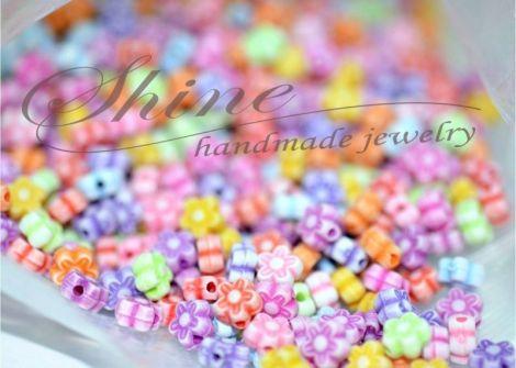 Margele in forma de floare acril diverse culori