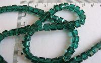 Cristal sticla cub verde