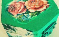 Cutie de bijuterii cu trandafiri
