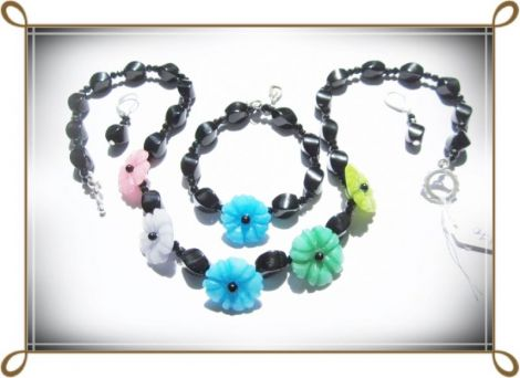 Set- onix negru si flori de jad