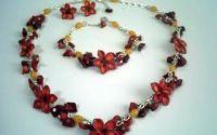 Set handmade din Coral si flori modelate din Fimo