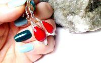 Cercei herringbone si cristale fatetate rosii