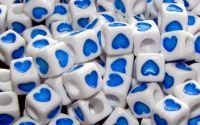 15 buc margele acril albe inima albastra cub 7mm