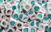 15 buc margele acril albe inima turcoaz cub 7mm