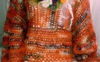 Pulover crosetat cu branduse impaslite