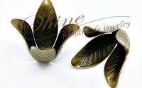 Capac floare bronz antic 4 petale