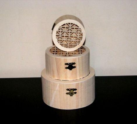 Set 3 cutii lemn natur dantelate - rotund