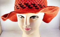 Palarie crosetata - Lady in red