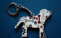 LOVE FOR DOGS- Breloc din lemn forma de catel