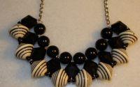 Colier negru cu crem