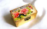 cutie cu motiv floral
