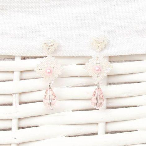 Cercei albi cu cristale roz