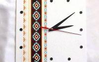 ceas cu motiv traditional