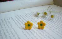 Cercei floricele galbene