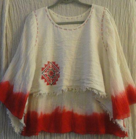 Bluza pictata cu motive traditionale
