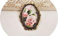 brosa antichizata cu trandafiri