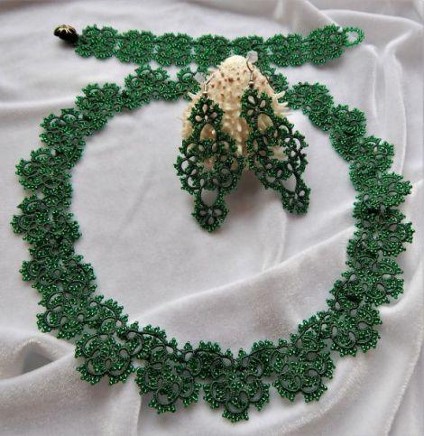 Set bijuterii compus din colier bratara si cercei