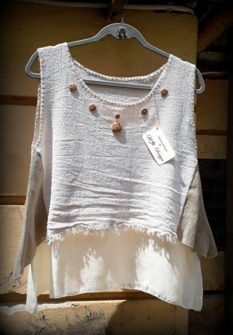 Bluza handmade cu nasturei cu cusaturi