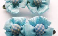 Clama de par cu flori albastre