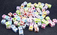 500buc litere alfabet cub mix scris color 6x6x6mm