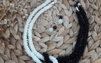 Colier innodat alb-negru