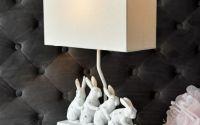 Lampa de masa cu iepuri