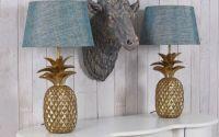 Lampa de masa cu un ananas auriu