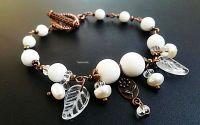 bratara alb antichizat  coral si perle