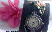 Bratara din piele cu margele si ceas vintage