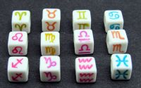 12 margele acril zodii albe scris color cub 7x7mm