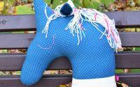 Pernuta unicorn albastru