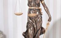 Statueta din ceramica cu bronz cu justitia