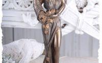 Statueta din ceramica cu zeita Fortuna