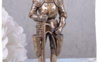 Statueta cu un cavaler in armura