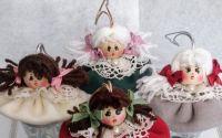 Papusele pe zurgalai - ornamente pentru bradut