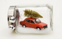 Aranjament de iarna cu macheta masina Dacia 1300
