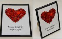 tablou cu mesaj decorat cu inima din nasturi