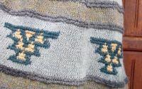 Fusta tricotata din lana cu model traditional