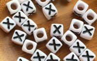 7mm margele albe alfabet litera X cub 100buc