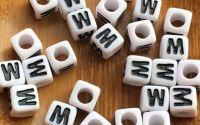 7mm margele albe alfabet litera W cub 100buc