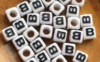 7mm margele albe alfabet litera B cub 100buc