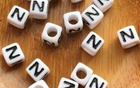 7mm margele albe alfabet litera Z cub 100buc