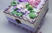 Caseta bijuterii cu model floral 3D